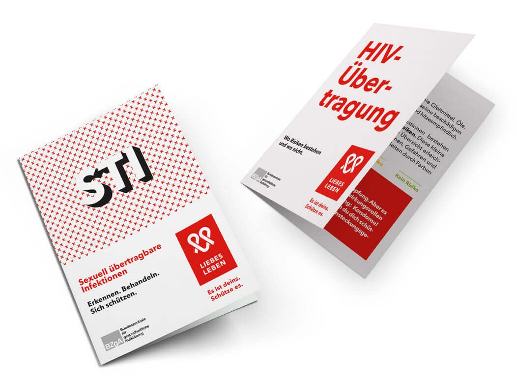 Image of two different LIEBESLEBEN information brochures.